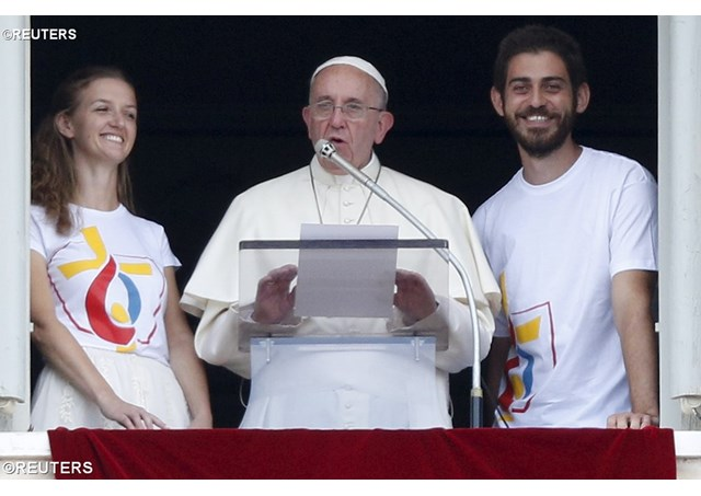 """Build bridges, not walls!""  Pope Francis to world youth"